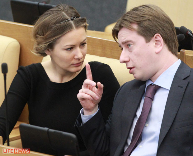 Vladimir putin was born in the soviet union and has an estimated net worth of http://translategooglede/translatu=http://nr2rucom/moskow/361457htmlact=url
